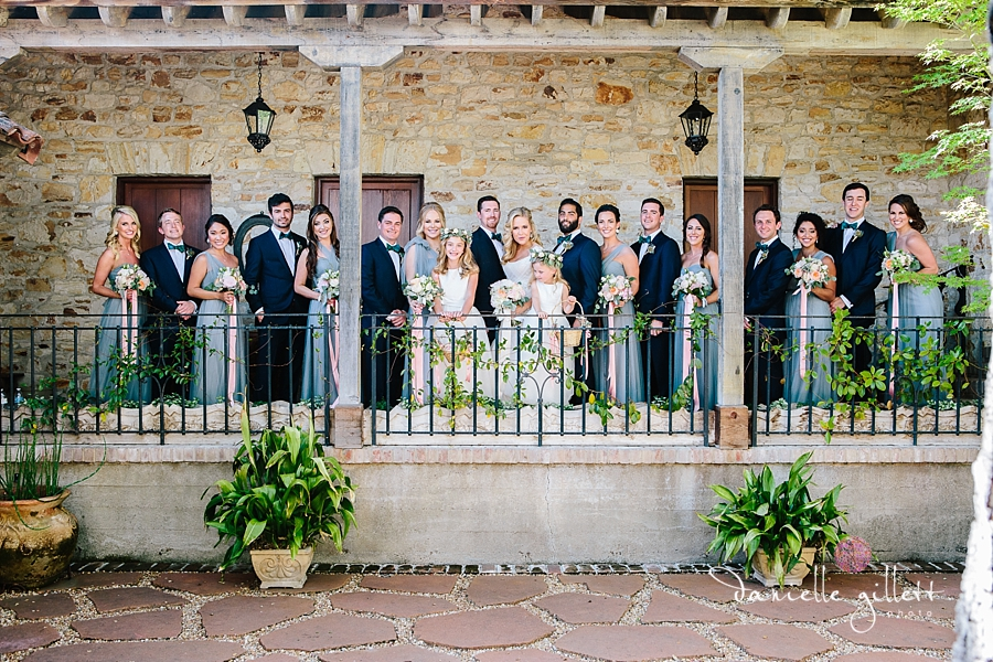 Holman Ranch Wedding Photography. Wedding photography in Carmel Valley. Outdoor wedding photography. Hacienda Wedding. Large bridal party photos