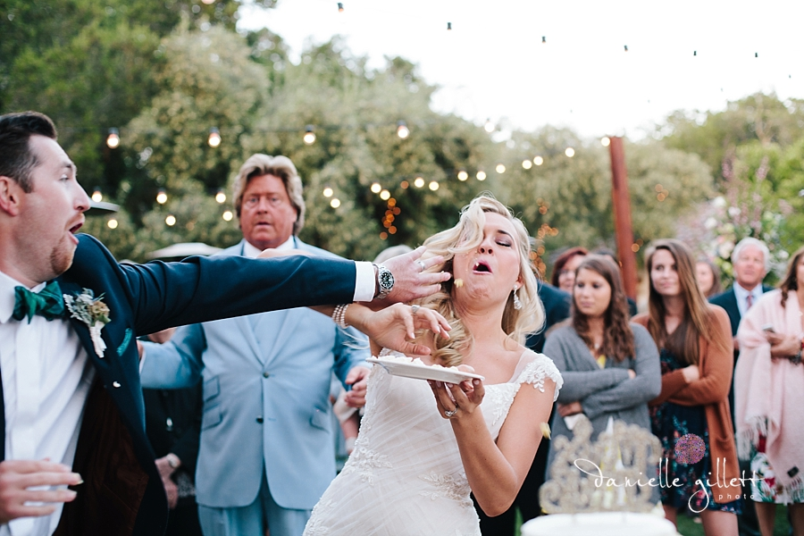 Holman Ranch Wedding Photography. Wedding photography in Carmel Valley. Outdoor wedding photography. Hacienda Wedding. wedding cake photos