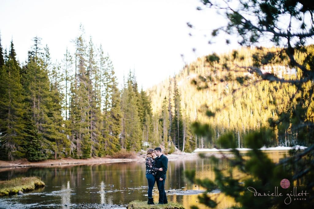 Bend Engagement photo at Devils Lake. Bend wedding photographer
