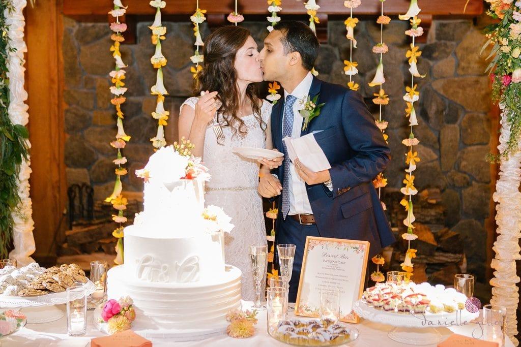 Nestldown Wedding, cake at Nestldown