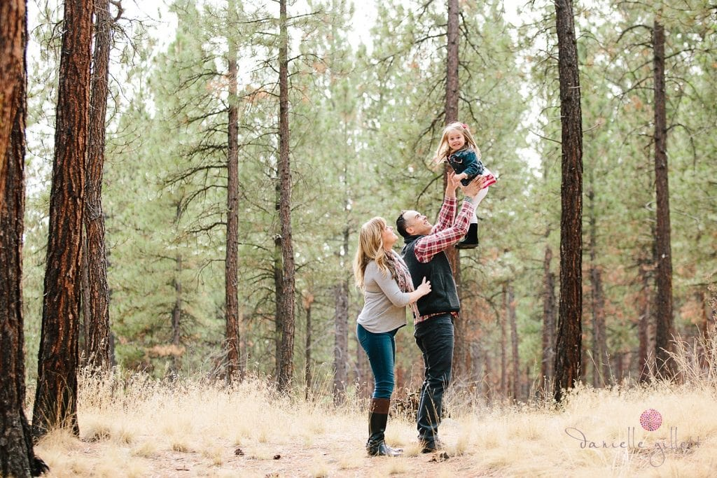 Shevlin Park Family Portraits in Bend Oregon. Fall Family Portraits in an Pine Tree Forest