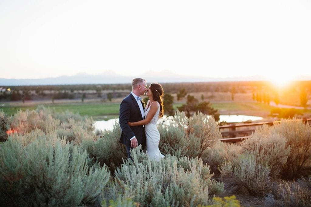 Brasada Ranch Wedding Photography, Bride and Groom at Brasada Ranch, Wedding Photographer in Bend Oregon. Central Oregon Wedding photography