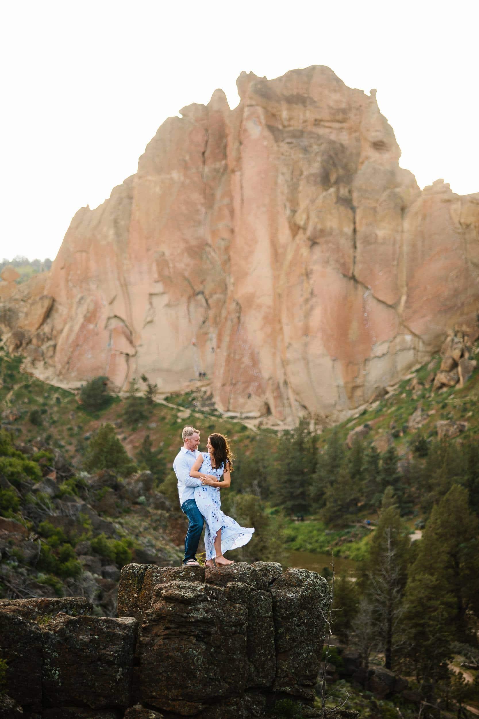 Bend Engagement photo. Smith Rock Engagement photo Engagement photos in Central Oregon. Bend Oregon Engagement Photographer